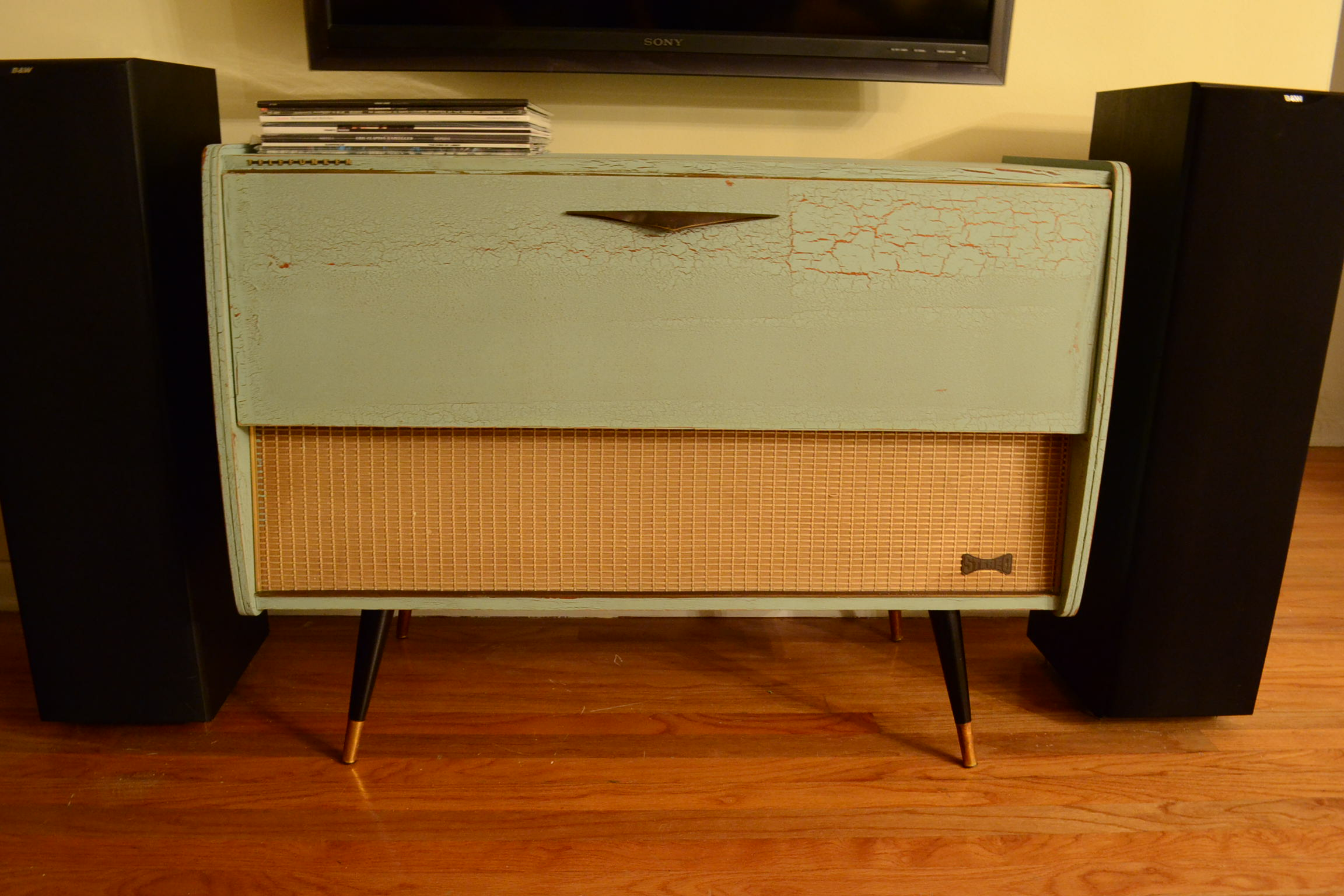 Diy Repurposing An Old Stereo Console